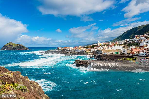 village of garachico tenerife - isla de tenerife fotografías e imágenes de stock