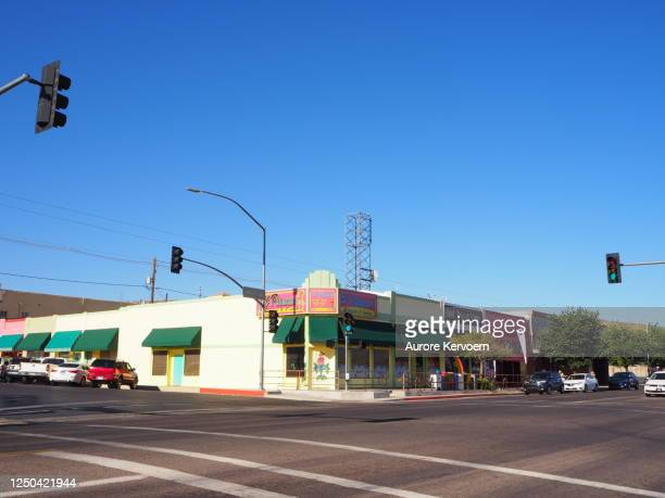 village of kingman na rota 66 no arizona nos eua - usa - fotografias e filmes do acervo