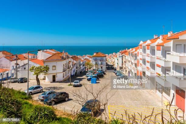village of nazaré portugal - estremadura stock-fotos und bilder