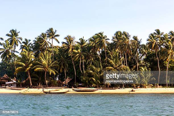 village on yele island - sierra leone stock pictures, royalty-free photos & images