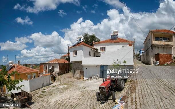 village panorama on a sunny day,aegean turkey. - emreturanphoto stock-fotos und bilder