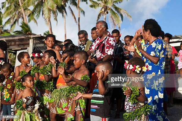Village People welcome Tourists, Makogai, Lomaviti, Fiji