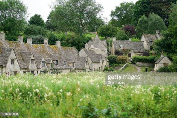 village with stone houses, england, uk - image stock pictures, royalty-free photos & images