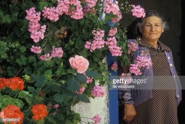 Villageoise dans la région d'Akamas à Chypre, en mai 1991.