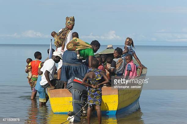 Ein paar einem Boot auf See Lake malawi