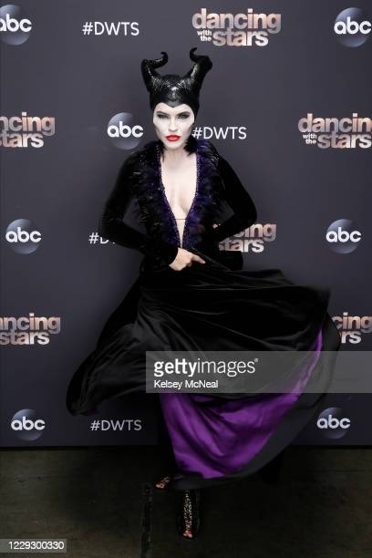 """Villains Night"""" - Just in time for Halloween, 10 celebrity and pro-dancer couples find their inner villain as they compete for this season's seventh..."""