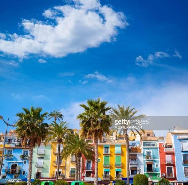 villajoyosa la vila joiosa maisons méditerranéennes colorées à alicante espagne - alicante photos et images de collection