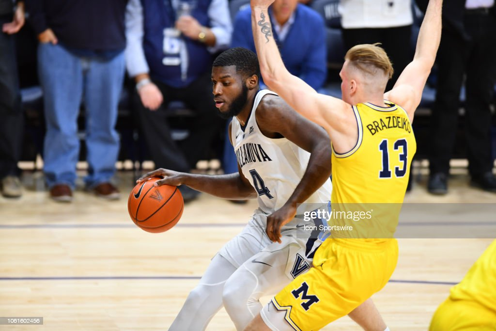 COLLEGE BASKETBALL: NOV 14 Michigan at Villanova : News Photo