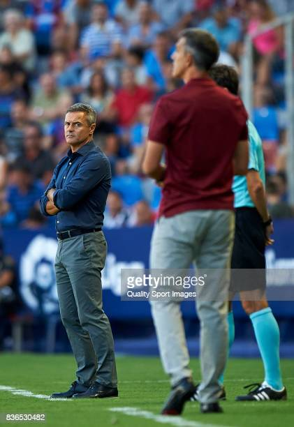 Villarreal CF manager Fran Escriba reacts during the La Liga match between Levante and Villarreal at Ciutat de Valencia on August 21 2017 in Valencia