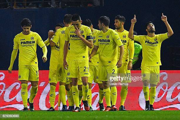 Villarreal CF players celebrate after his team mate Manu Trigueros scored his team's first goal during the La Liga match between Villarreal CF and...