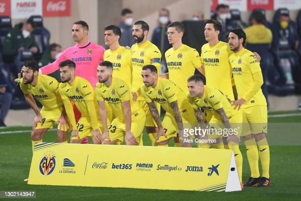 Villarreal CF players pose for a team group during the La Liga Santander match between Villarreal CF and Real Betis at Estadio de la Ceramica on...