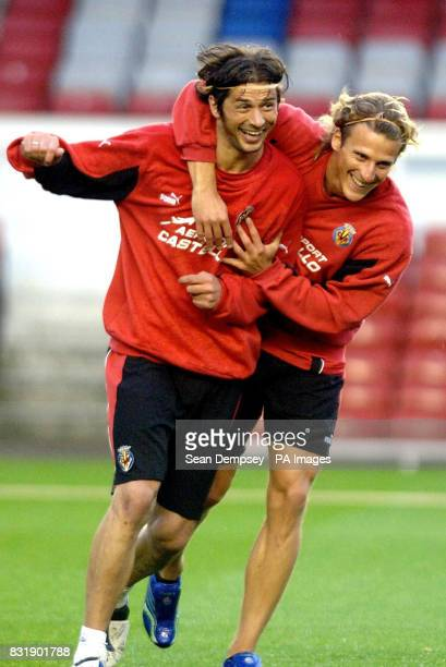 Villarreal's Diego Forlan with teammate Alessio Tacchinardi during a training session at Highbury Stadium London