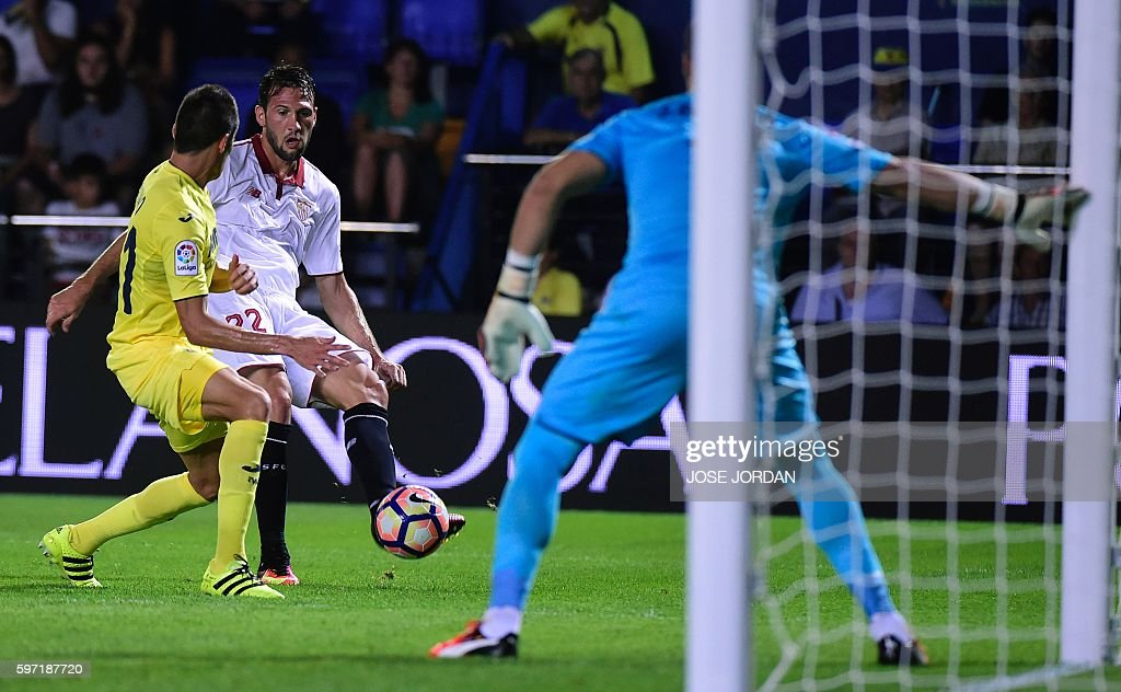 FBL-ESP-LIGA-VILLARREAL-SEVILLA : News Photo