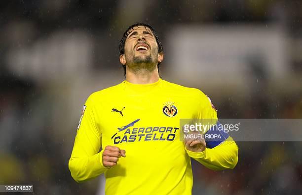 Villarreal's midfielder Cani reacts during the Spanish league football match Racing vs Villarreal on February 27, 2011 at El Sardinero stadium in...