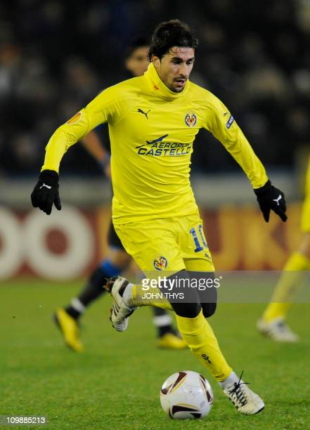 Villarreal's midfielder Cani the ball during their UEFA Europa League group D football match against Club Brugge, on December 15, 2010 at the Jan...