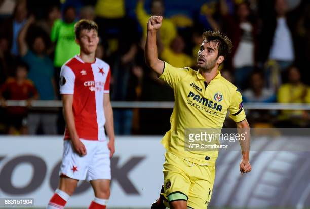 Villarreal's midfielder from Spain Manuel Trigueros Munoz celebrates after scoring during the Europa League football match Villarreal CF vs SK Slavia...