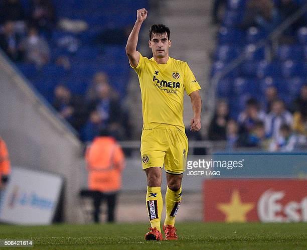 Villarreal's midfielder Manuel Trigueros celebrates his goal during the Spanish league football match Real CD Espanyol vs Villarreal CF at the...