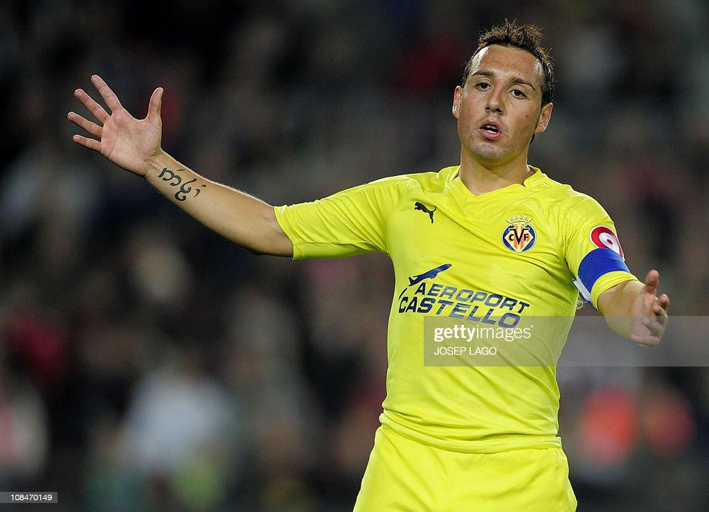 Villarreal's midfielder Santi Cazorla ge : News Photo