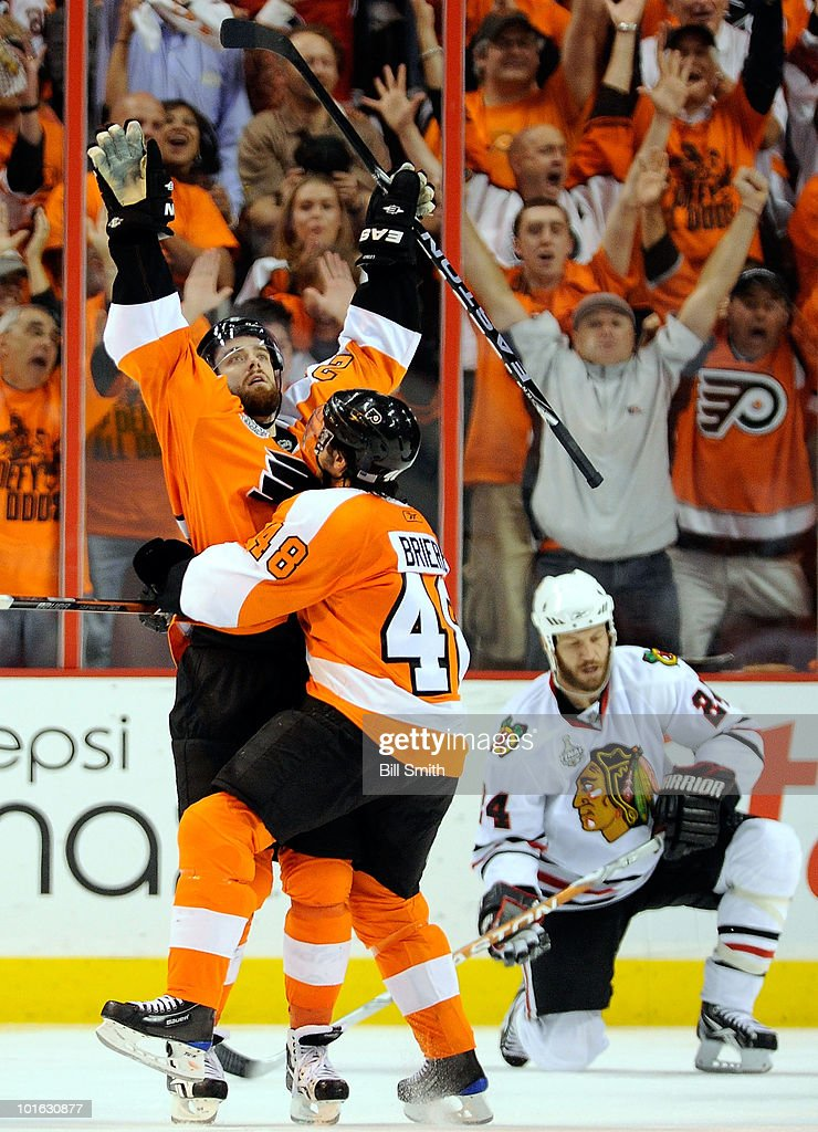 Ville Leino #22 and Daniel Briere #48 of the Philadelphia Flyers celebrate the fourth Flyers goal scored by Leino in the third period of Game Four of the 2010 NHL Stanley Cup Finals against the Chicago Blackhawks at Wachovia Center on June 4, 2010 in Philadelphia, Pennsylvania.