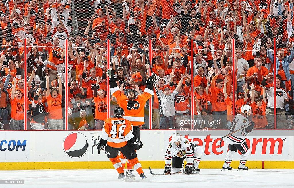 Stanley Cup Finals - Chicago Blackhawks v Philadelphia Flyers - Game Four