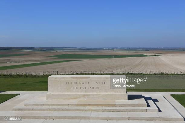 villers–bretonneux australian national memorial - west flanders stock pictures, royalty-free photos & images