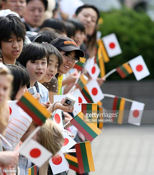 Hundreds of children welcome Japanese Emperor Akihito and Empress Michiko in Vilnius 26 May 2007 upon their arrival at Vilnius Palace The Japanese...