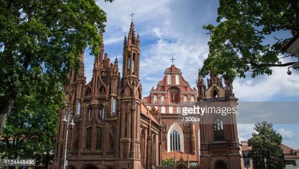 vilnius. st. anne's and bernardine church - vilnius stock pictures, royalty-free photos & images