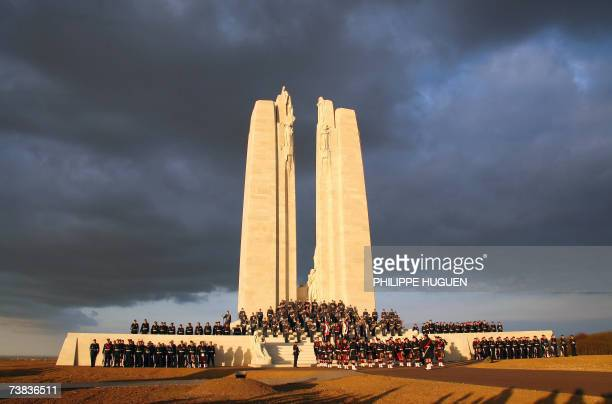 Canadian soldiers parade in front of the Canadian memorial 07 April 2007 in Vimy to commemorate the 90th anniversary of the battle of Vimy Ridge a...