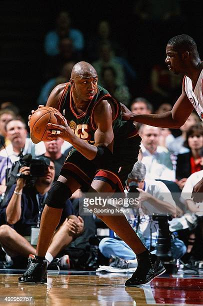 Vin Baker of the Seattle SuperSonics goes up against the Houston Rockets during the game on April 5 2001 at the Compaq Center in Houston Texas The...
