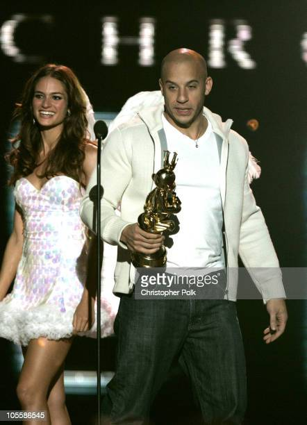 Vin Diesel accepts the award for Best Game Based on a Movie for The Chronicles of Riddick Escape from Butcher Bay