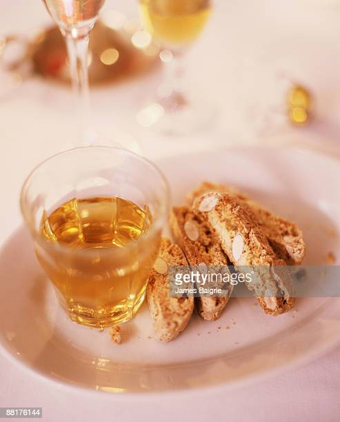 Vin santo with cantucci
