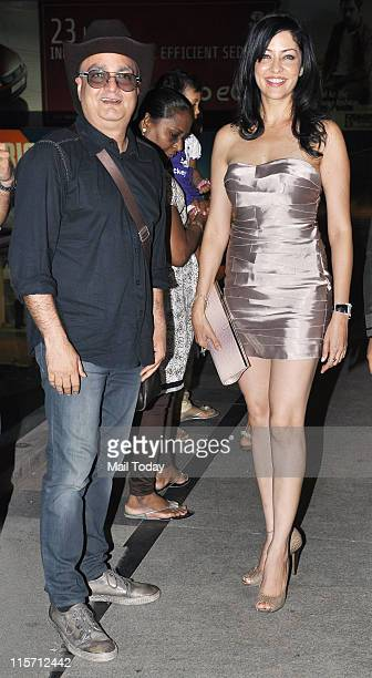 Vinay Pathak and Aditi Govitrikar at the music launch of the movie Bheja Fry 2 at Tryst Mumbai on June 7 2011