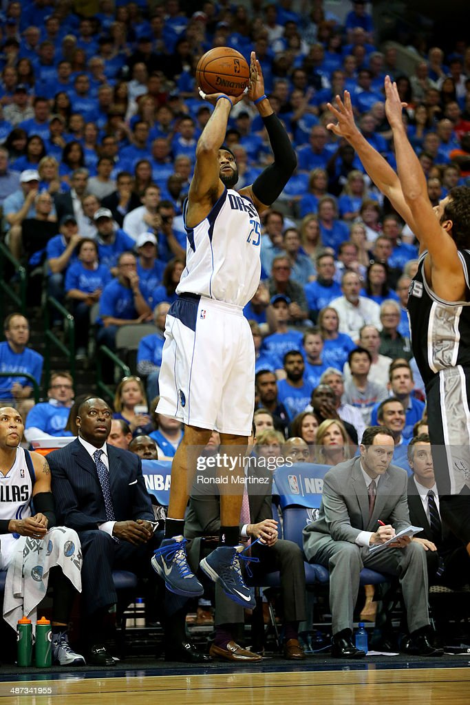 Vince Carter #25 of the Dallas Mavericks in Game Four of the Western Conference Quarterfinals during the 2014 NBA Playoffs at American Airlines Center on April 28, 2014 in Dallas, Texas.