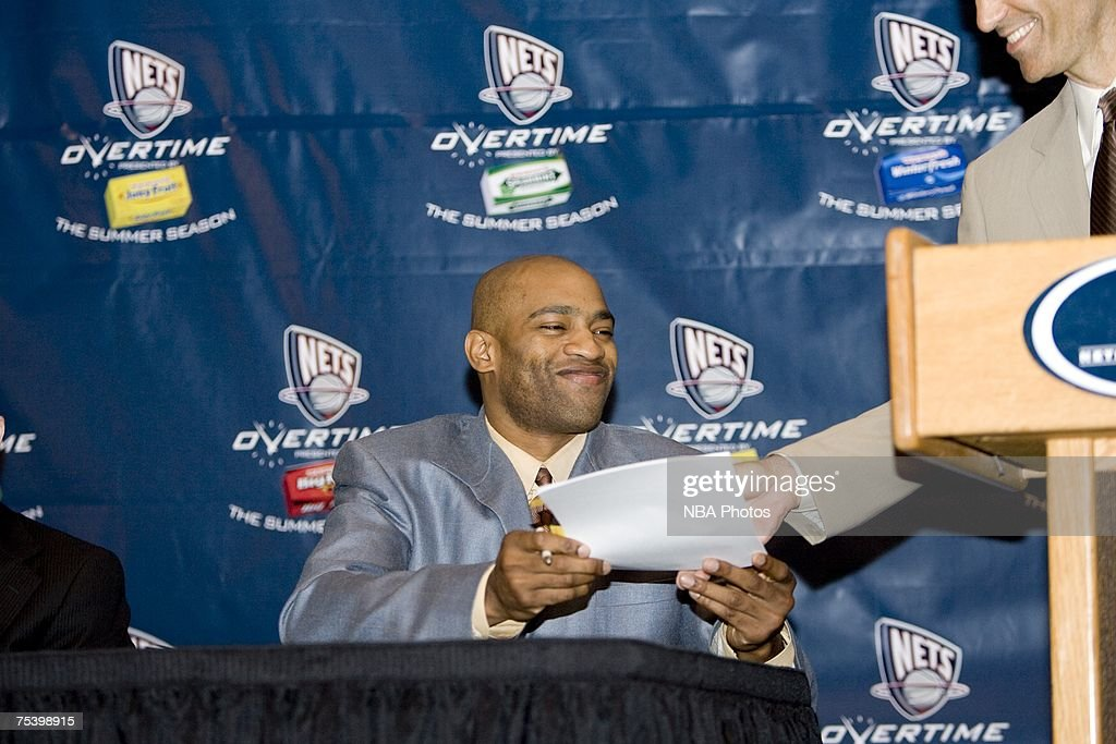 Nets Sign Vince Carter To Multi-Year Contract Press Conference : News Photo