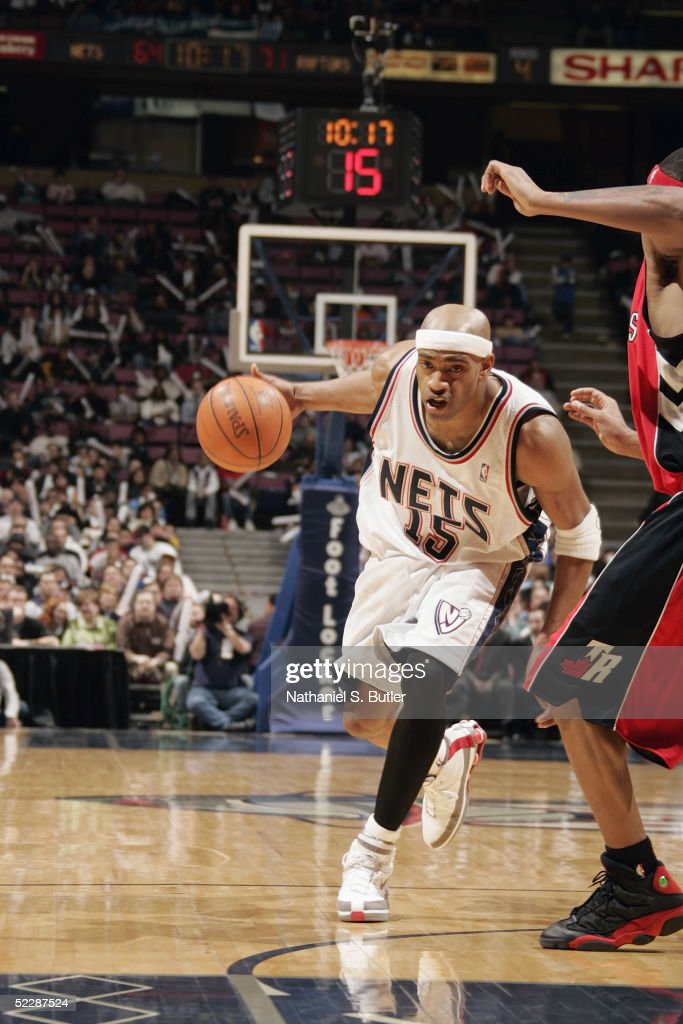 0abbb7d25 Vince Carter of the New Jersey Nets drives against the Toronto ...