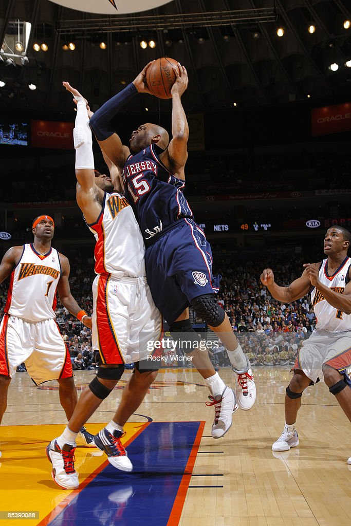 brand new 52081 94181 Vince Carter of the New Jersey Nets drives to the basket ...