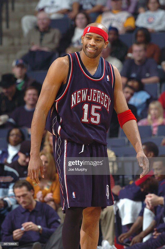 separation shoes 5a30b 02db9 Vince Carter of the New Jersey Nets looks on against the ...