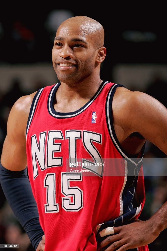 low priced e6b08 b5150 Vince Carter of the New Jersey Nets smiles during the game ...