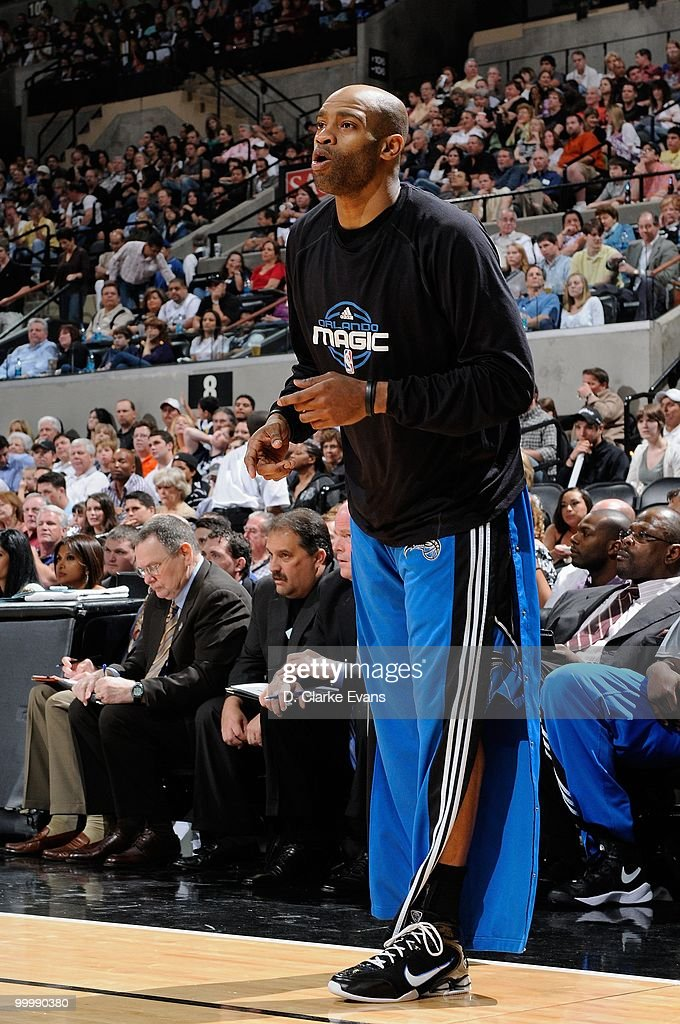 Vince Carter #15 of the Orlando Magic shouts from the sideline during the game against the San Antonio Spurs on April 2, 2010 at the AT&T Center in San Antonio, Texas. The Spurs won 112-100.