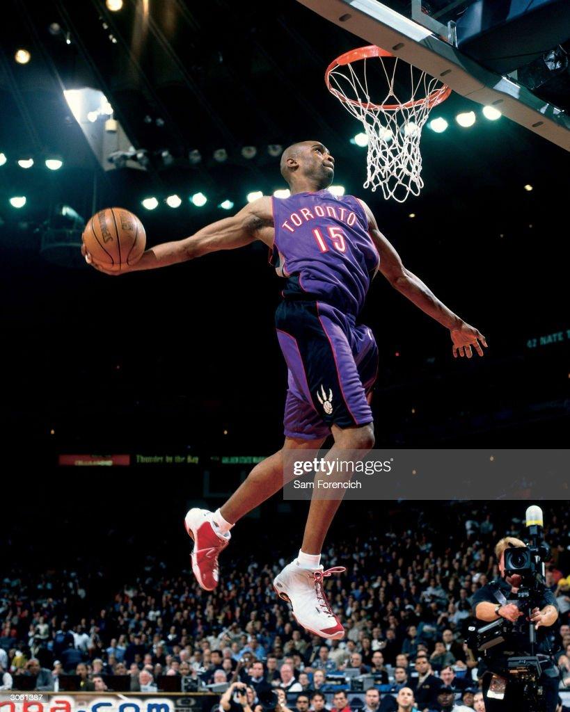 2000 NBA All-Star Slam Dunk Contest : News Photo