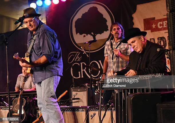 Vince Gill Jim Hoke and Paul Franklin perform during the 2016 Celebrity Barn Dance Benefitting Music Health Alliance at Jaeckle Centre on October 29...