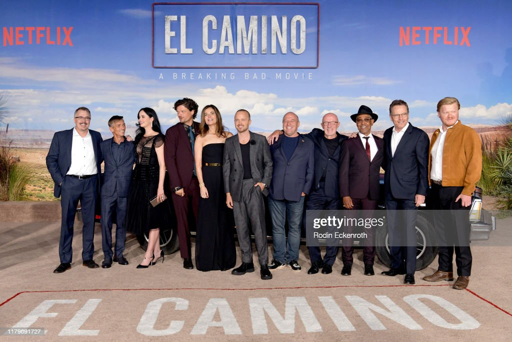 "Premiere Of Netflix's ""El Camino: A Breaking Bad Movie"" - Arrivals : Foto jornalística"