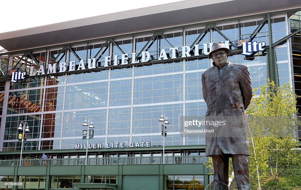 vince lombardi statue sits in harlan plaza at lambeau field home of the green bay