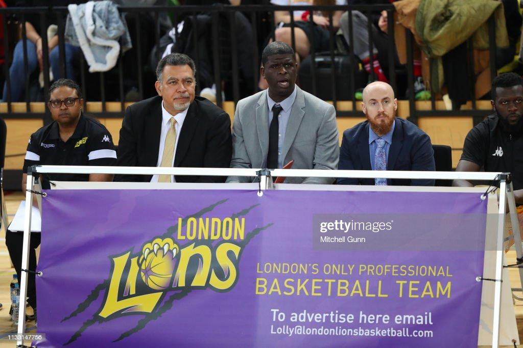 London Lions v Surrey Scorchers : News Photo