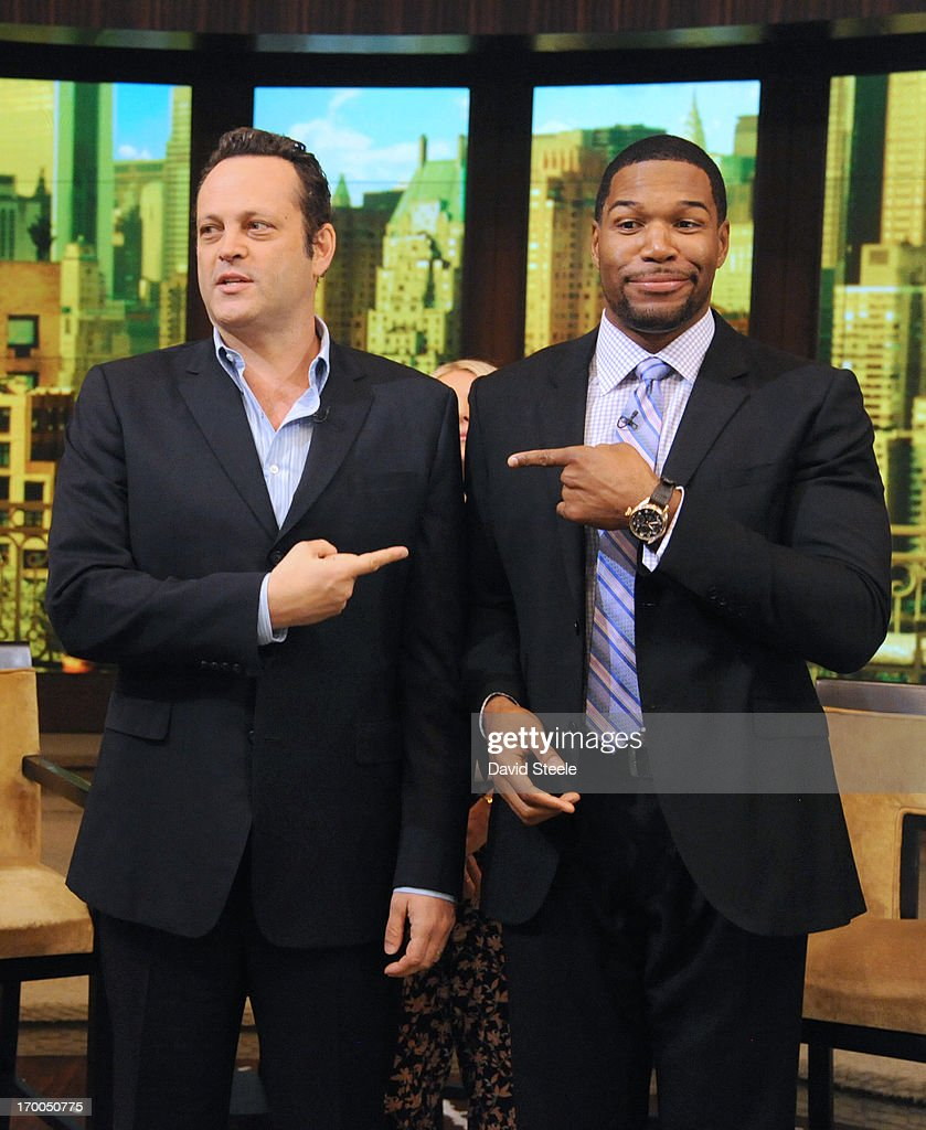 ABC's 'Live With Kelly And Michael' - 2013 : Nachrichtenfoto