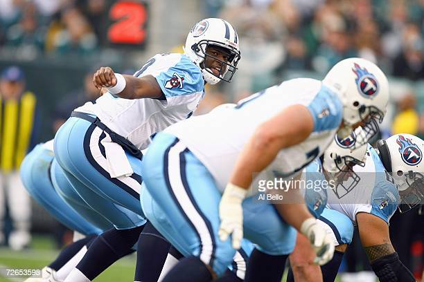 Vince Young of the Tennessee Titans audibles a play against the Philadelphia Eagles on November 19, 2006 at Lincoln Financial Field in Philadelphia,...