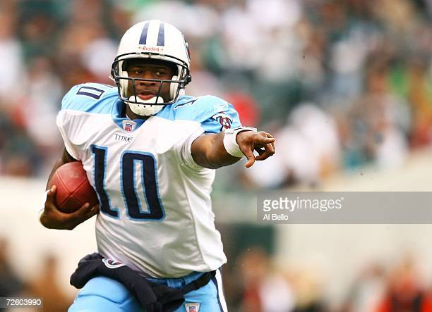 Vince Young of the Tennessee Titans runs with the ball against the Philadelphia Eagles on November 19, 2006 at Lincoln Financial Field in...