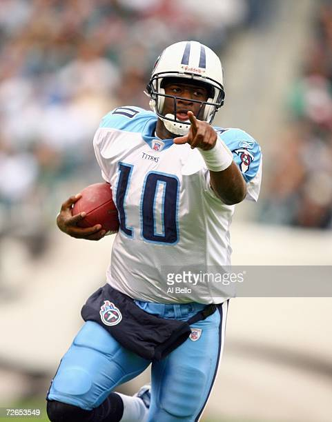 Vince Young of the Tennessee Titans runs with the ball during the game against the Philadelphia Eagles on November 19, 2006 at Lincoln Financial...