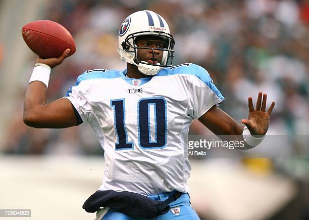 Vince Young of the Tennessee Titans throws a pass against the Philadelphia Eagles on November 19, 2006 at Lincoln Financial Field in Philadelphia,...