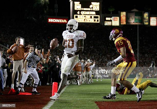 Vince Young of the Texas Longhorns runs into the end zone to score a touchdown and put the Longhorns up by one in the final moments of the BCS...